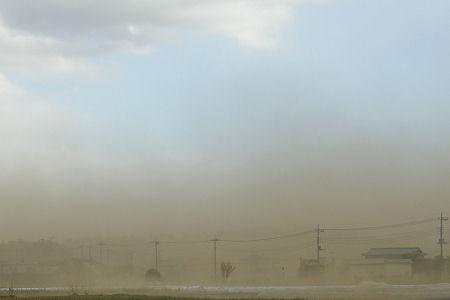 あの砂煙の中には新幹線が…さぞ乗客は驚いたろう